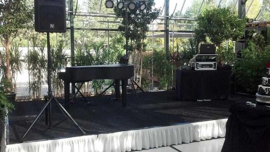 Live Piano Bar and DJ at Planterra Bloomfield, MI