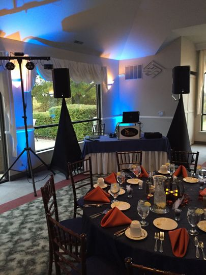 Scottie Alexander Entertainment set-up and ready to go with uplighting!