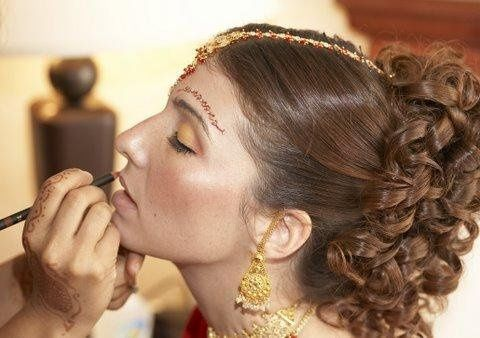 Here is Racheal, she had a beautiful traditional indian wedding! We choose to have her hair pulled...