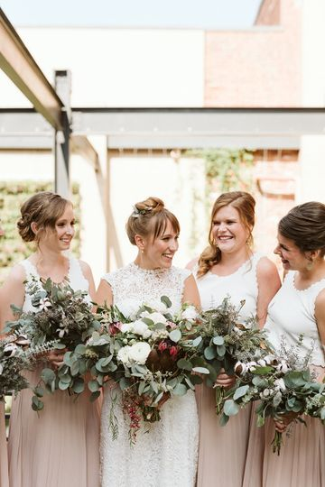 eyster wedding bridal party 13 51 1054847