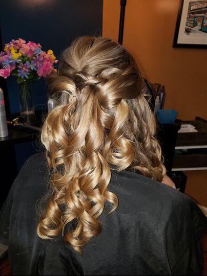 Hair half-up