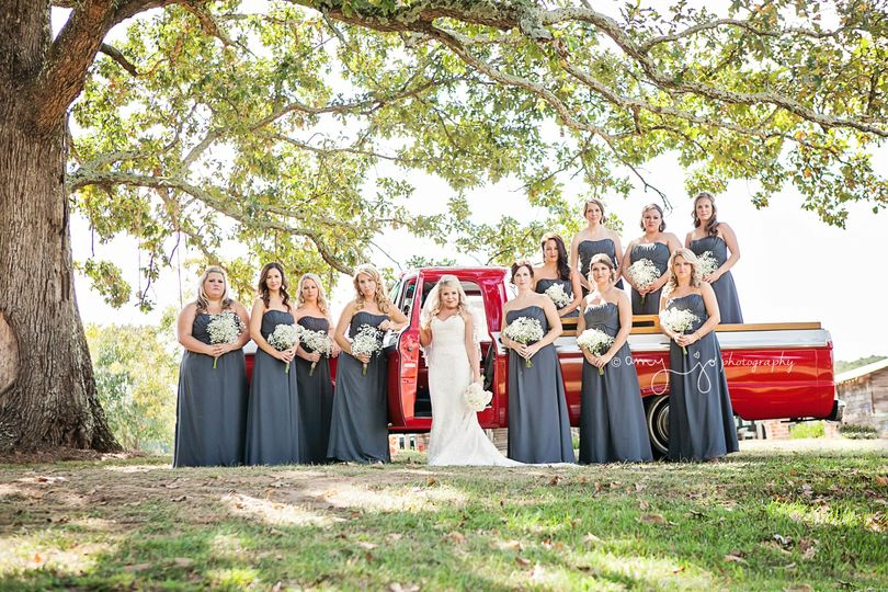Bride and bridesmaids | Amy Jo Photography