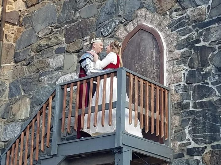 Tmx Behind The Castle Kelly And Jay 51 1023947 157551168015254 Orono, ME wedding venue