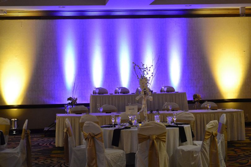 sections grand uplighting
