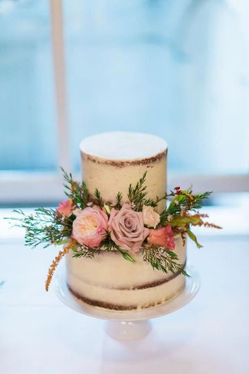 Semi-naked cake with rustic florals