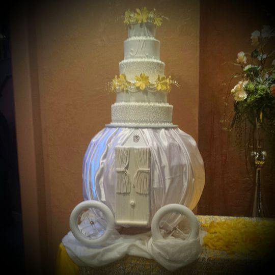 cinderlla carriage cake