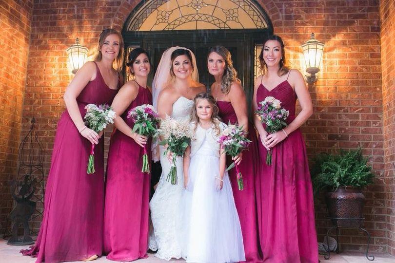 810a89f7b70550f9 1526946890 e64e9e52f92786a1 1526946891018 29 Laura and bridesm