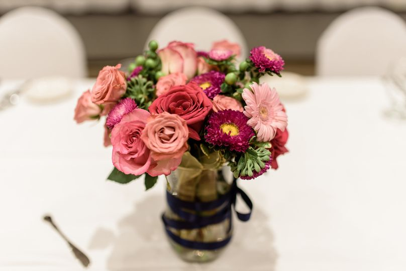 Floral table centerpiece