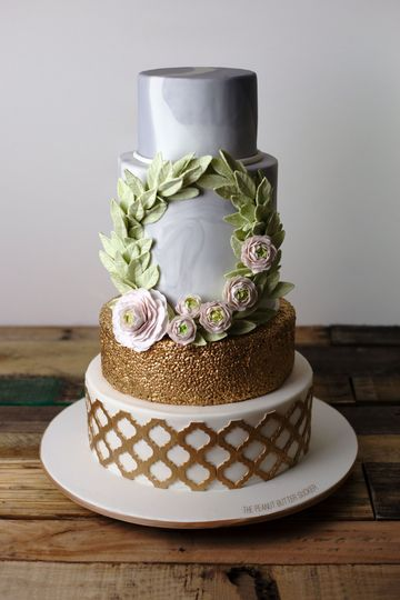 Gold lattice and sugar flowers