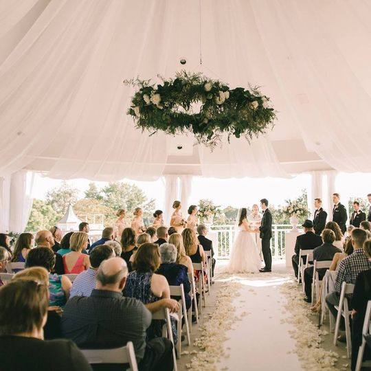 Outdoor Wedding Ceremony Des Moines: Glen Oaks Country Club