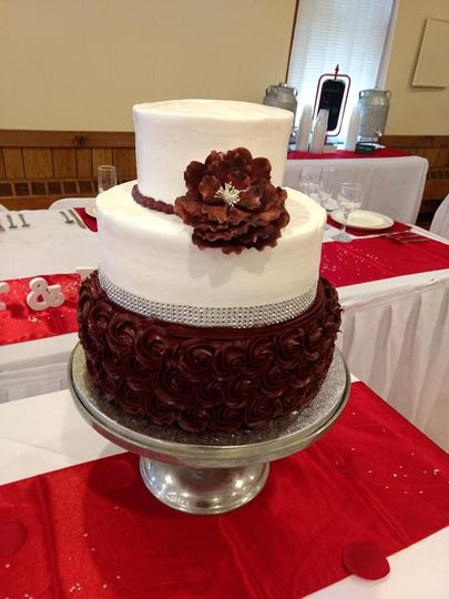 3-tier cake with floral tier