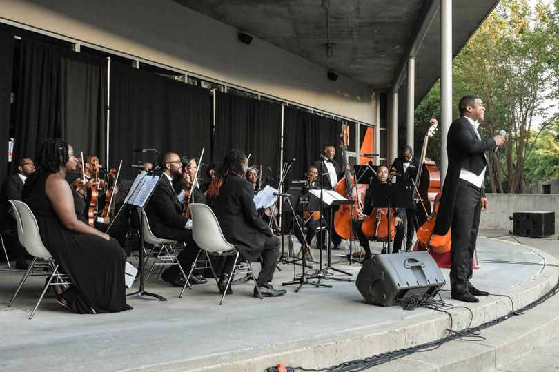 Symphony in front of the crow