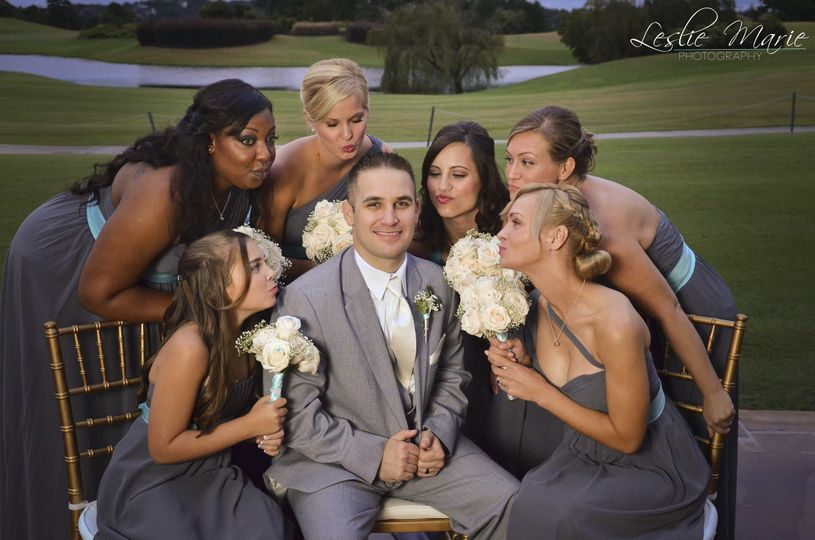 justin with bridesmaids