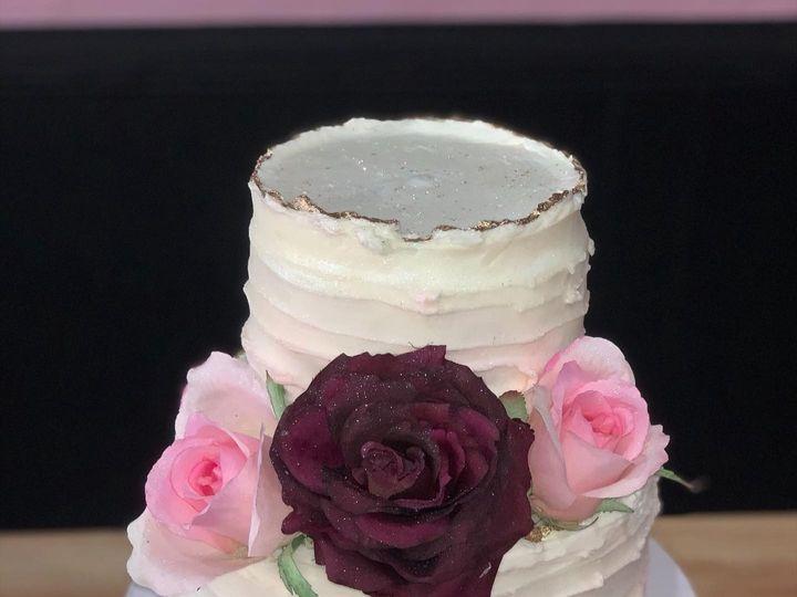 Tmx 74838427 782418262181881 4660192176477569024 O 51 1512157 160047151939135 Stoneville, NC wedding cake