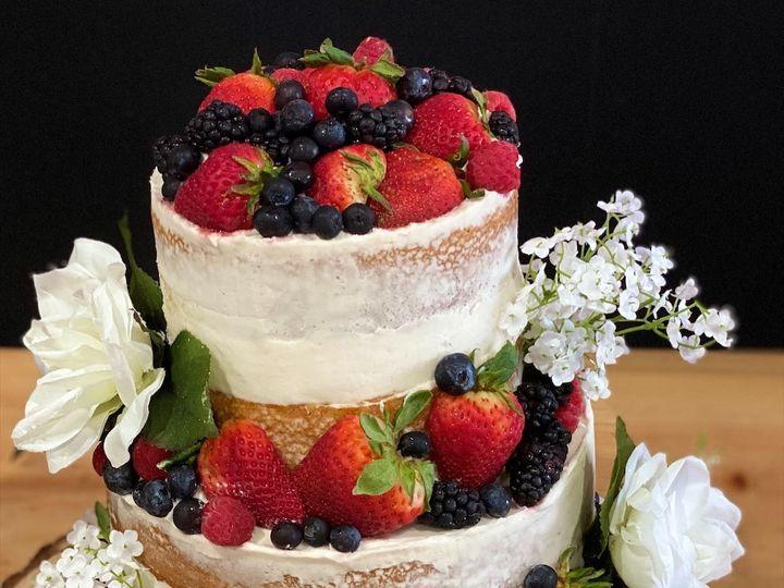 Tmx 90235469 886772225079817 7316620064550027264 O 51 1512157 160047125557019 Stoneville, NC wedding cake