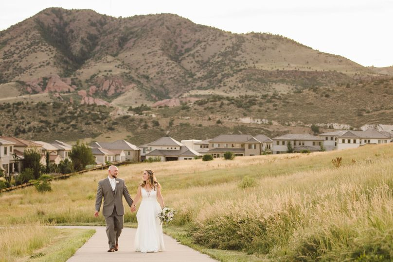 Mountainous backdrop - Colorado Wedding Photography