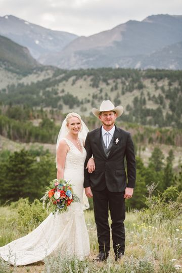 In the mountains - Colorado Wedding Photography