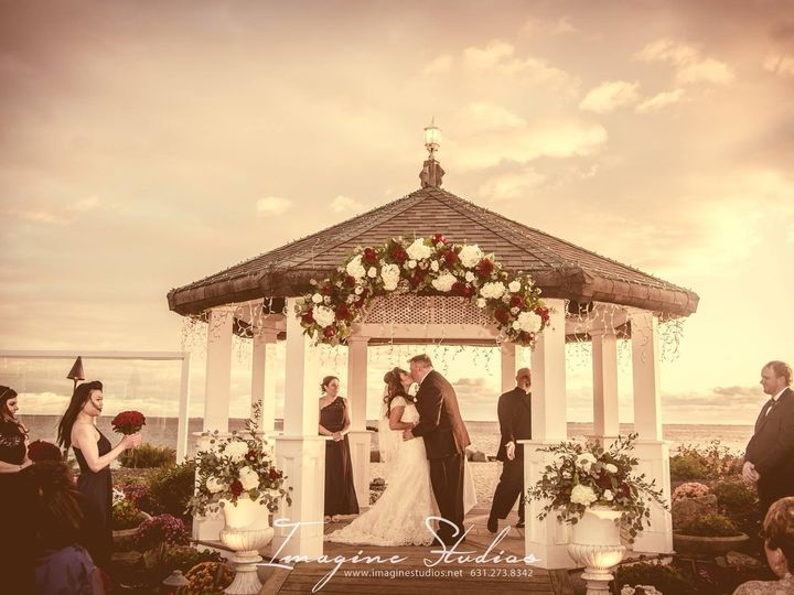 Tmx Gazebo Ceremony5 51 3157 157403660811702 Sayville, NY wedding venue