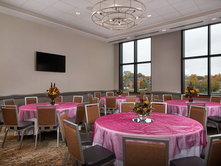 Tmx Friendship Room 51 1005157 1566937267 Muscatine, IA wedding venue
