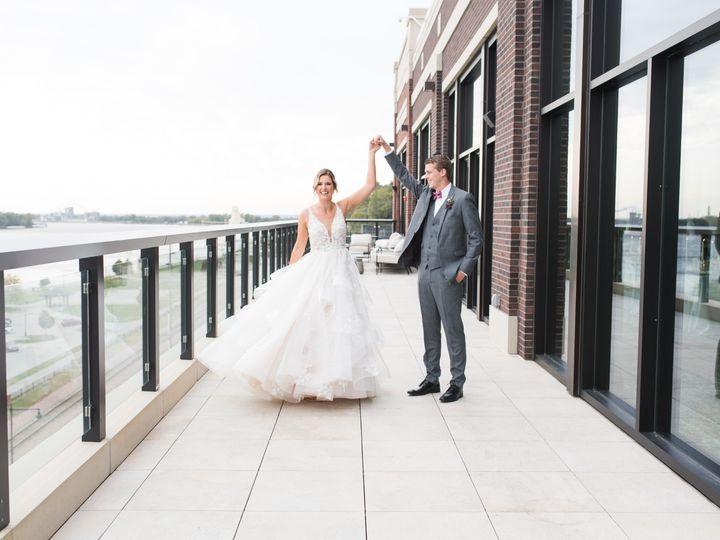 Tmx Merrill Wedding Couple On Balcony 51 1005157 157541451127457 Muscatine, IA wedding venue