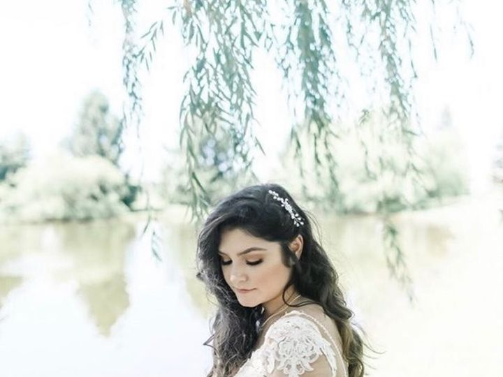 Tmx Rogue Petal Co Traditional Bride Greenery White Bouquet Handtied Natural Lace Gown 51 1075157 1566411461 Baltimore, MD wedding florist