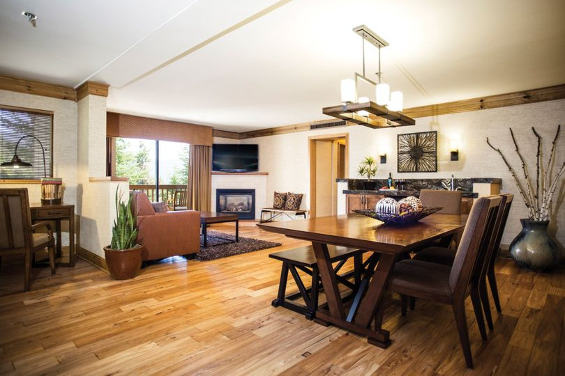 Tenaya Lodge interior