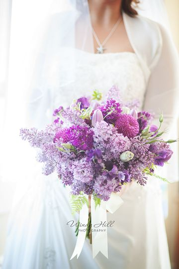 maine wedding photographer lilac bouquet