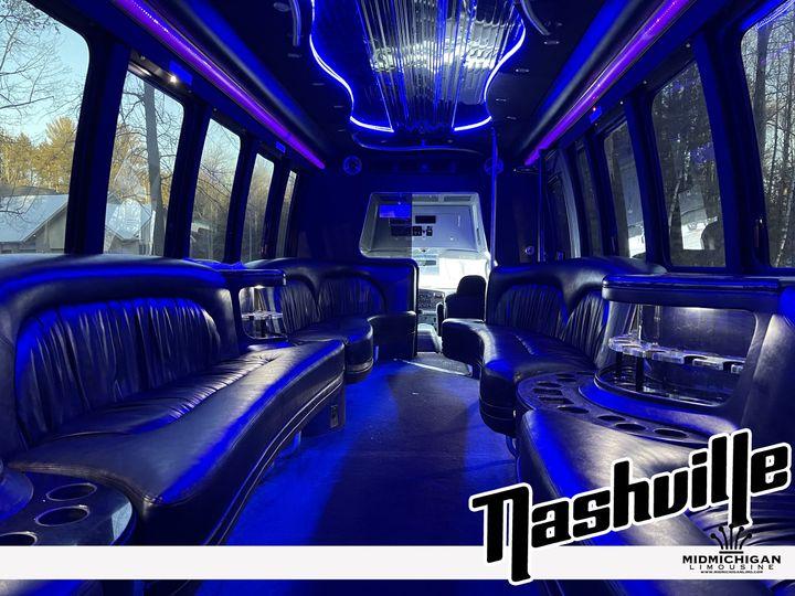 Tmx Nashville 02 51 547257 161063868823622 Midland, MI wedding transportation