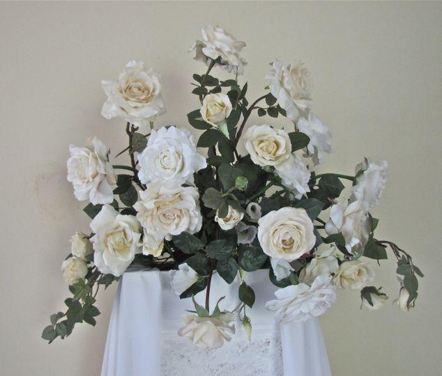 Classic altar pillar floral