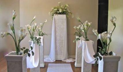 Wedding Pillars and Petals