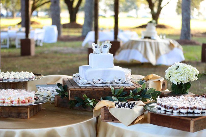 oyster cake table 51 1022357 v2