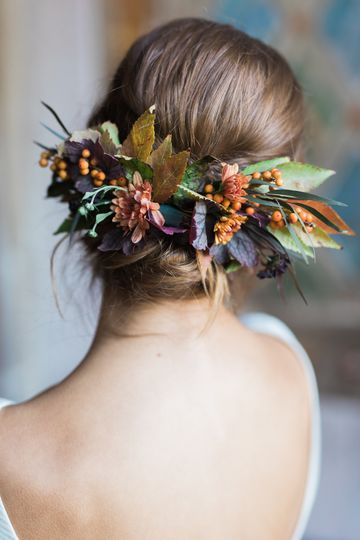 Flowers on bride's hair