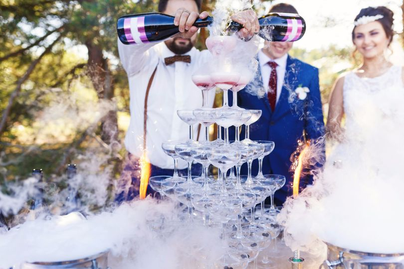 3cd030150e38bcdc Bartender Pour Wedding