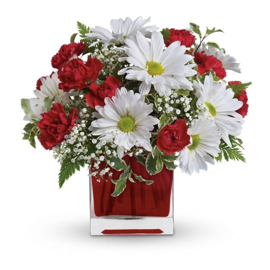 Red and White Delight arrangement