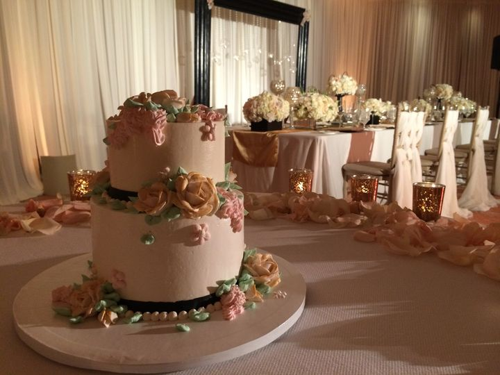Two tier floral