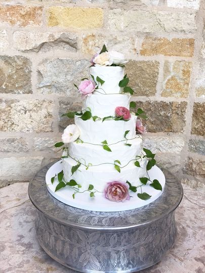 Classic white floral cake
