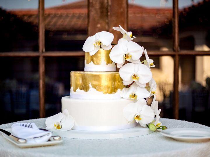 Tmx Rewindphotography Copy 51 777357 158284261075206 Santa Barbara, CA wedding cake