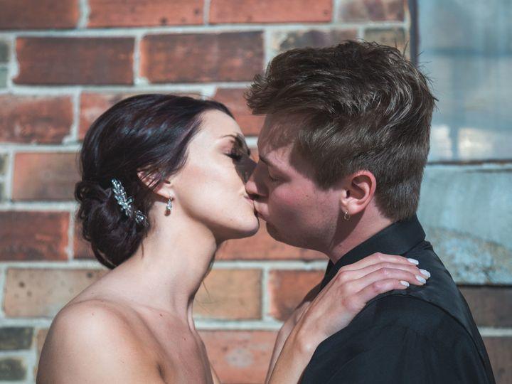 Tmx 1531226349 2805c89c01ad3340 1531226345 D92920946d0194f2 1531226304301 38 Heppe 291 Oshkosh, WI wedding photography
