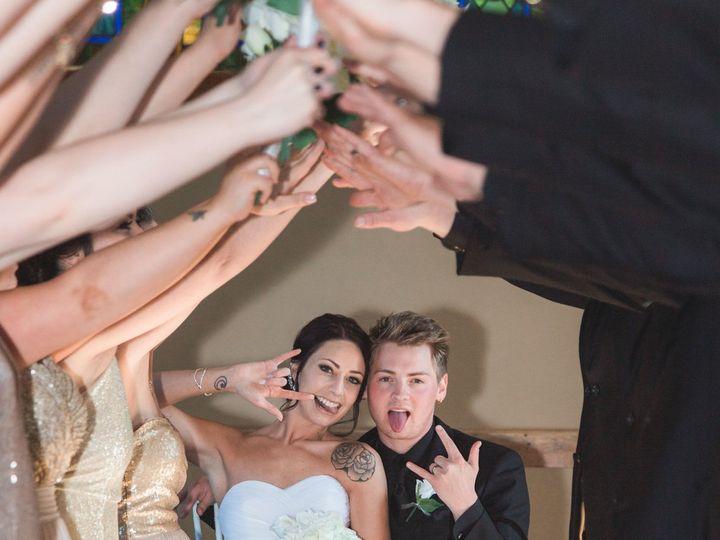 Tmx 1531226350 Bdd3aba292ffb48b 1531226345 Fb412df616a98602 1531226304300 36 Heppe 257 Oshkosh, WI wedding photography