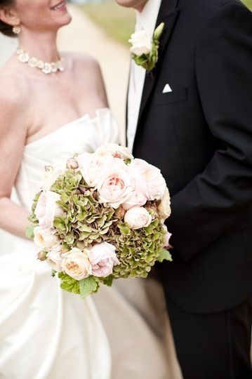Pink english roses with green hydrangea