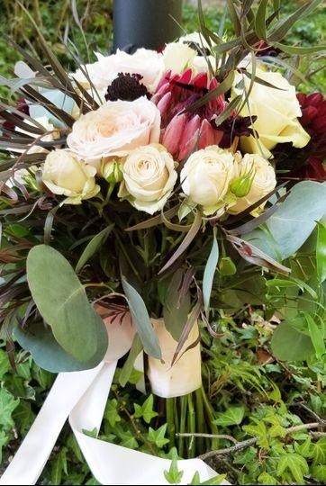 Textured bouquet proteus