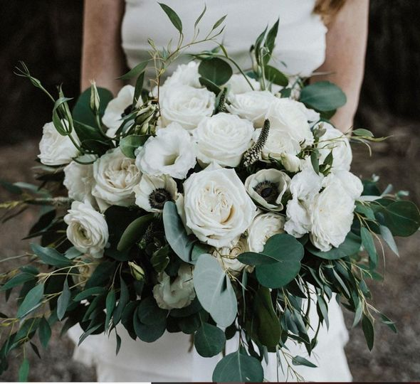 deer park bouquet greenery white roses anemone 51 409357 158304205763471