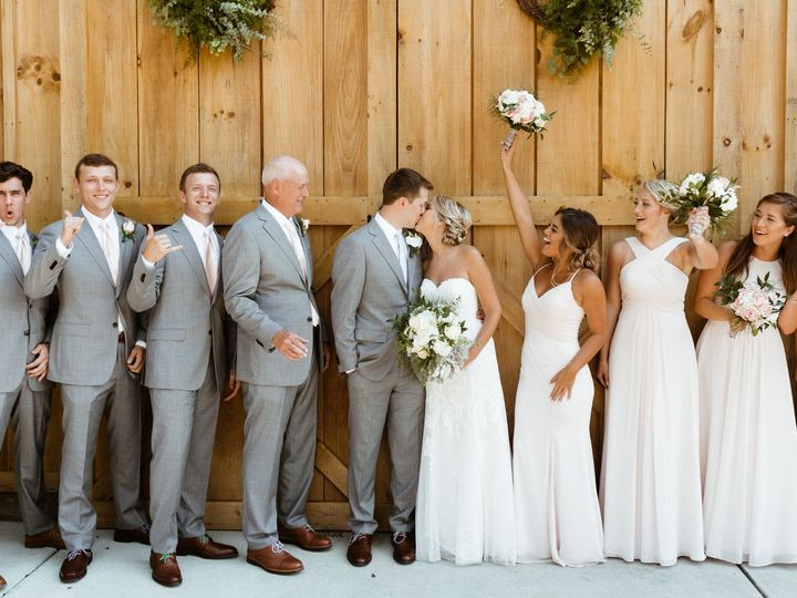 Tmx Kiss With Wedding Party In Photo 51 1962457 159037361548864 Greensboro, NC wedding planner