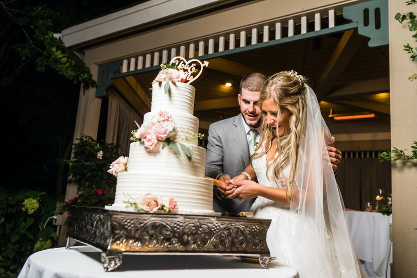 Cake at Outdoor Reception