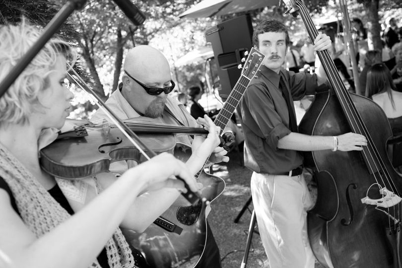 Super fun Celtic cocktail hour!  Photo courtesy of Sol Neelman.