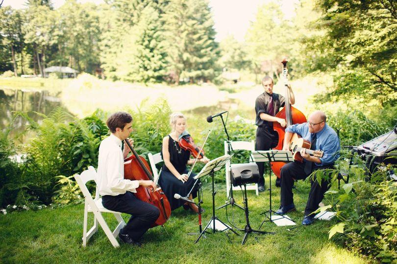 Effesenden Music performing at Bridal Veil Lakes