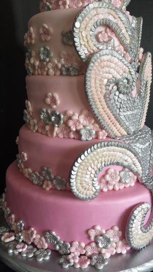 Elegant bling wedding cake