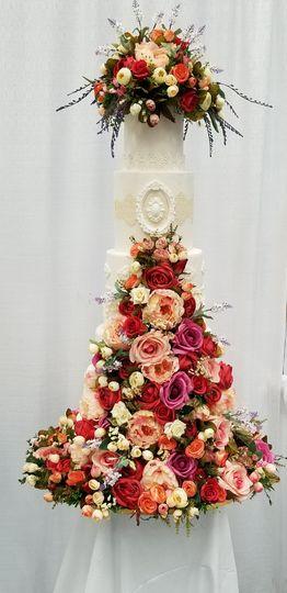 Flower fantasy wedding cake