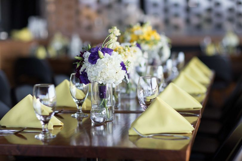 Wedding table at Vue Corvallis | Forks & Corks Catering