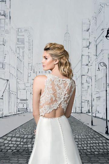 Beautiful Bride Boutique Wedding Dress 59